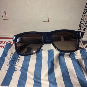 NWT Fossil Sunglasses Blue Wayfarers